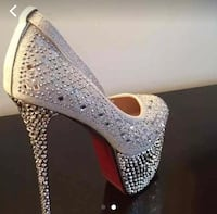 Bling shoes. Never worn size 6.5 Brookhaven, 11727