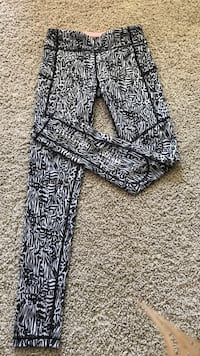 Pocket ivvia leggings size 10 brand new pretty much Central Okanagan, V4T 3L6