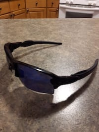 Near New Oakley Flak 2.0 (((MINT))) 595 km