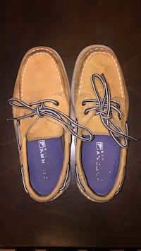 Boy Sperry sz 2 (kids) Laredo, 78043