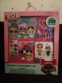 I'm selling a girl's big activity games.250 items for fun.brand new