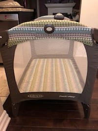 Grace pack n play with bassinet and change table Toronto, M9C 4X3