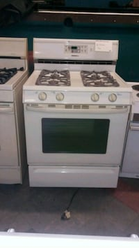 Maytag almond self clean gas stove Aliquippa, 15001