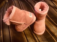 Pink Authentic size 24 UGGS Coquitlam, V3K 4A4