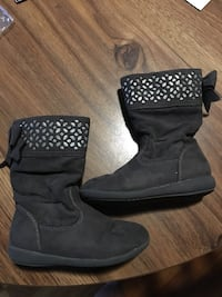 Size 8 Toddler boots New Bedford, 02746