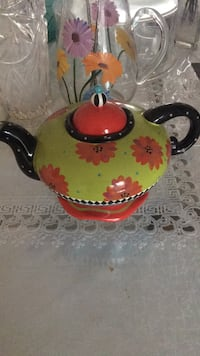 Vintage tea pot collection Montréal, H4M 1K6