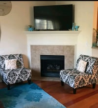 Black and cream arm chairs like new Forest Grove, 97116