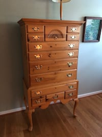 Chest of drawers (solid pine wood)