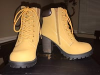 Pair of camel leather boots Omaha, 68127