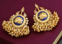Golden pearl earrings  Laval, H7W 2Z9
