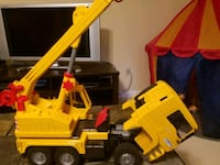 yellow and black dump truck toy Herndon, 20170