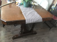 Antique solid oak dinning table  Hamilton, L8H 4E6