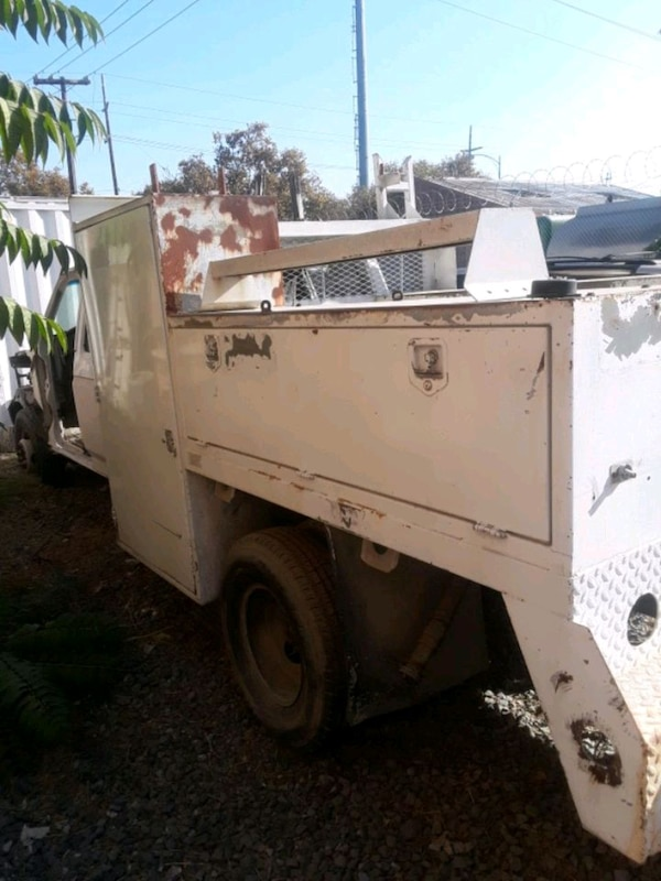 Truck Utility Box >> Utility Truck Bed F 450