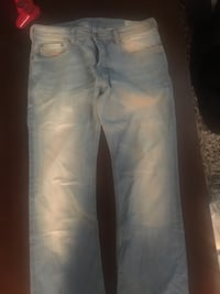 DIESEL JEANS - 32 x 33 Boot cut. Bought for $250+ barely worn Vancouver, V6G 3H4