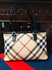 Authentic Burberry shoulder bag  Newmarket, L3X 2C2