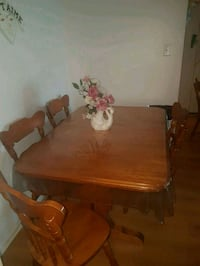 brown wooden dining table set Gatineau, J8Y 4V1