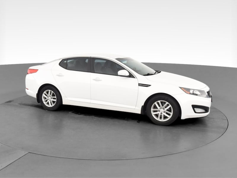 2013 Kia Optima sedan LX Sedan 4D White  74c4bc3e-86c7-4342-a2ac-5011658b6f79