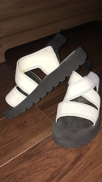 Pair of white-and-black sandals Laval, H7L