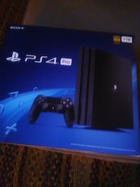 PlayStation 4 pro ,, never opened