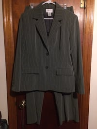 Chadwick's woman's gray pinstripe pant and jacket suit - new condition! Hazleton