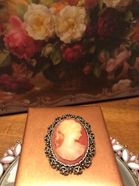 Gorgeous! Victorian Lady Cameo Pin/Brooch