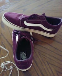 VANS LACE UP BURGANDY COLORED