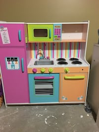 pink and white kitchen playset 28 km