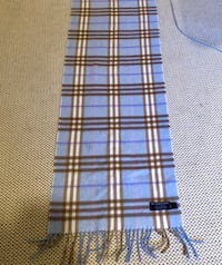 Cashmere Burberry scarf in blue
