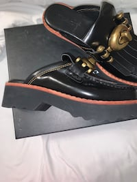 Coach leather size 8 womens