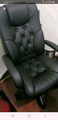 black leather padded rolling chair Burtonsville, 20866