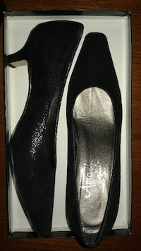LIKE NEW (worn once) LEATHER SHOES PUMPS - AMALFI BY RANGONI - CORONA AREZZO - SIZE 6B - Original Price $375 - Asking $98 or Best Offer TORONTO