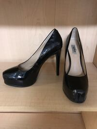 Red and Black HEELS!! Anchorage, 99502