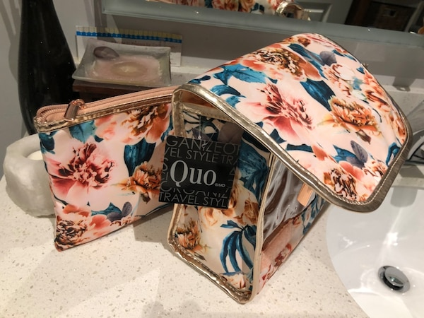 Quo 3 piece Travel Bags New with Tags f3239b58-d5ad-4f8b-9b78-d640c8471fbd