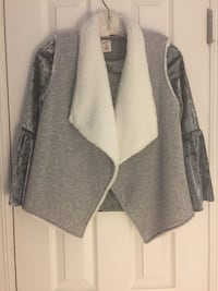 Gray Top With Best / New Brick, 08724