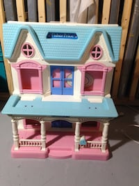 Fisher price play house and accessories Mississauga, L5J 1V8