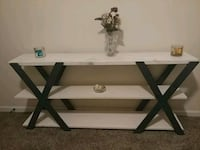 Solid wood end table Fort Mill, 29715