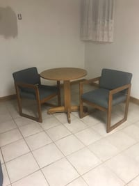 Table and chairs, or best offer, needs to be picked up in philly  Blackwood, 08012
