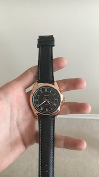 Yazole Rose Gold Wristwatch with Genuine Leather Strap Oakville, L6H 5X6