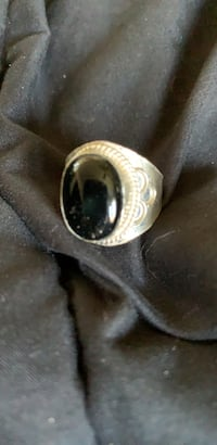 Ring mens solid silver  black onyx ring size 10