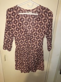 Hollister printed romper size small  538 km