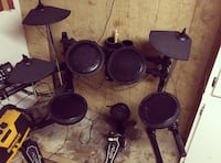 Complete pro electronic drum set with throne and sticks Parkersburg, 26101