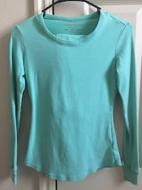 teal long-sleeved shirt