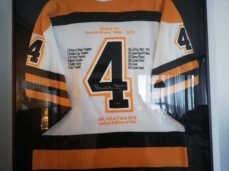 BOBBY ORR (BOSTON BRUINS) SIGNED JERSEY FRAMED - LIMITED EDITION f92d201a-3ae9-4a99-978d-00420d0e4c2d
