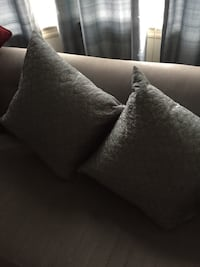 Two Beautiful Cushions for sale look really nice in any decor. Toronto, M6B 2A8
