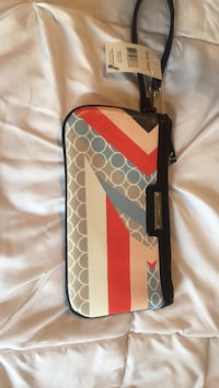 Nine West wristlet  Red Bank, 37415