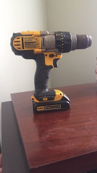 Black and yellow dewalt cordless power drill Charlotte, 28227