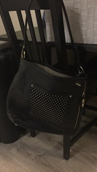 Black Leather Purse -with gold details Toronto, M5A 0C4