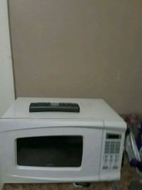 white MICROWAVE  New Orleans, 70117