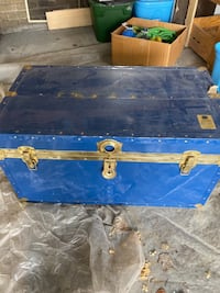 Beautiful Strong large Trunk great for tool, toy, household storage.  Toronto, M4W 2T8
