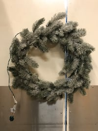 Holiday pre-lit wreath
